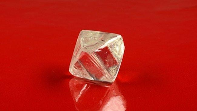 Один из 5-ти  крупнейших алмазов вмире продан за $40 млн